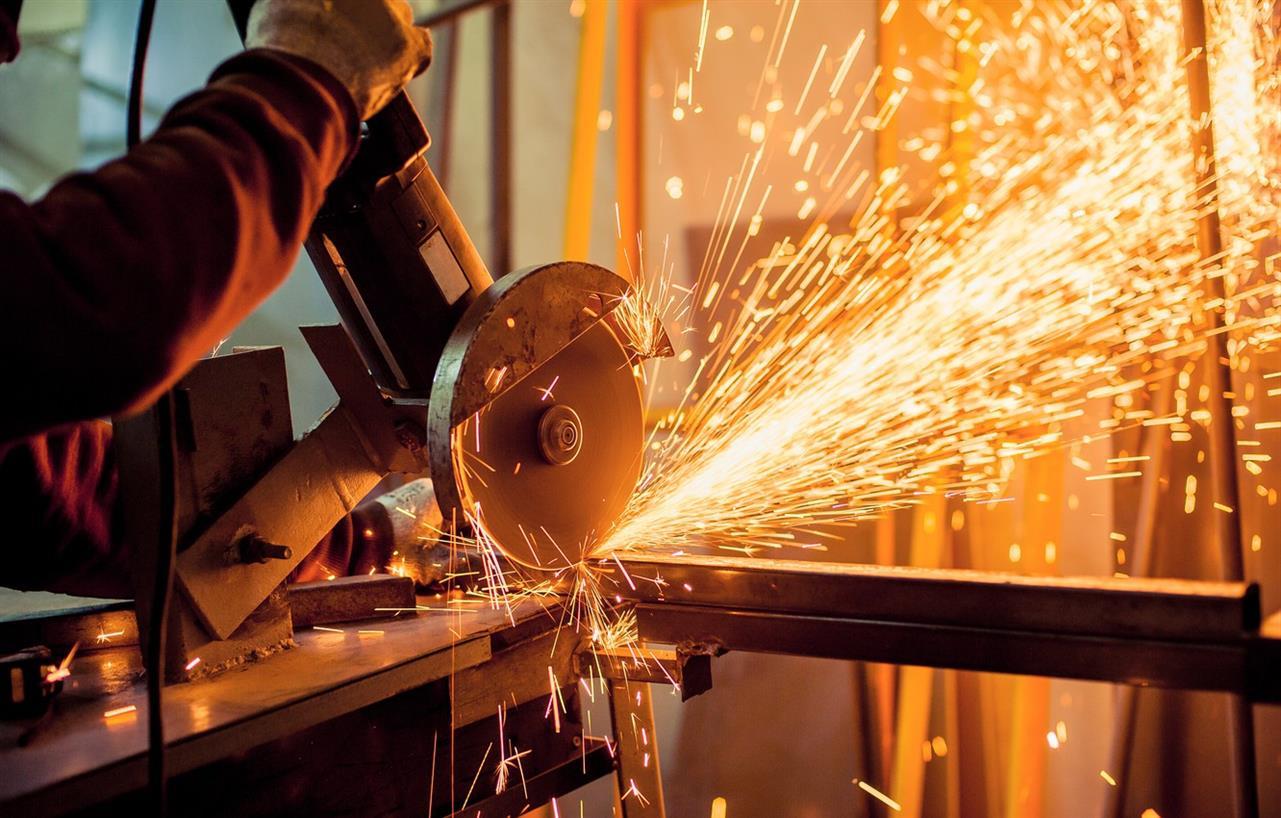 grinder metal sparks fire